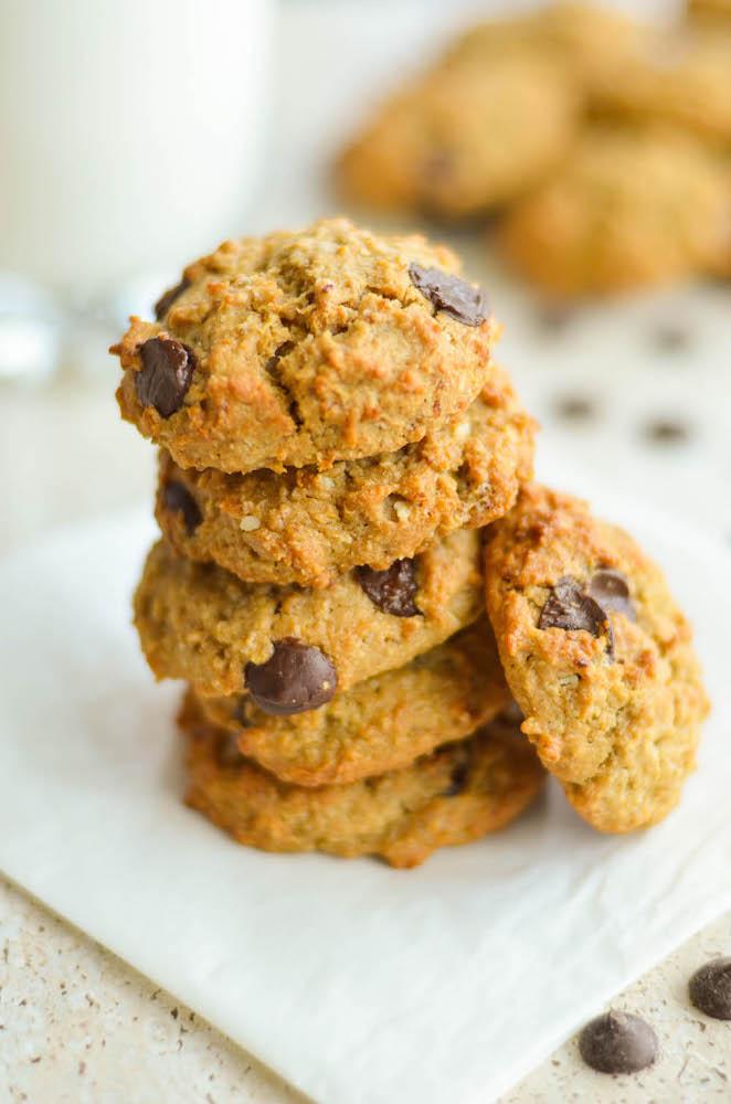 quinoa-oatmeal-choc-chips-breakfast-cookies