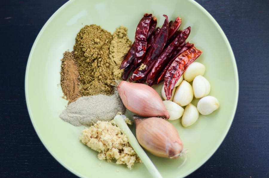 red-curry-paste-ingredients