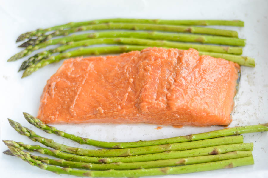 bake-salmon-and-asparagus